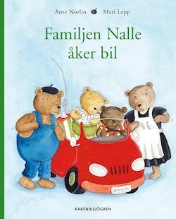 Familjen Nalle åker bil