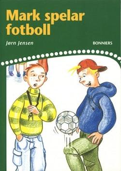 Mark spelar fotboll